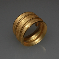 18ct gold coiled Curl ring