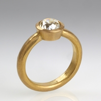 22ct ring with diamond