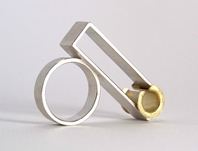'Play' kinetic ring