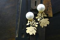 Anemone Pearl Earrings...