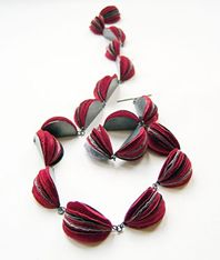 Necklace : Japanese handmade paper, silver.