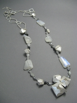 snow petal necklace