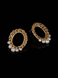 Oval Pearl 18ct Gold Studs
